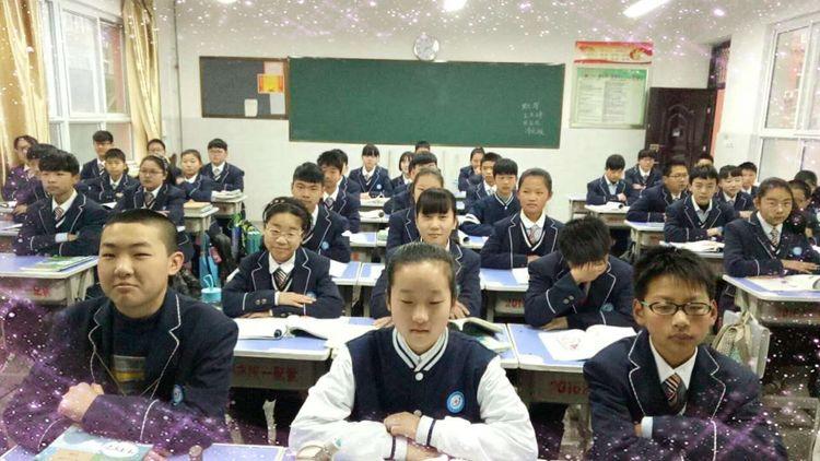实验中学校服美出新高度